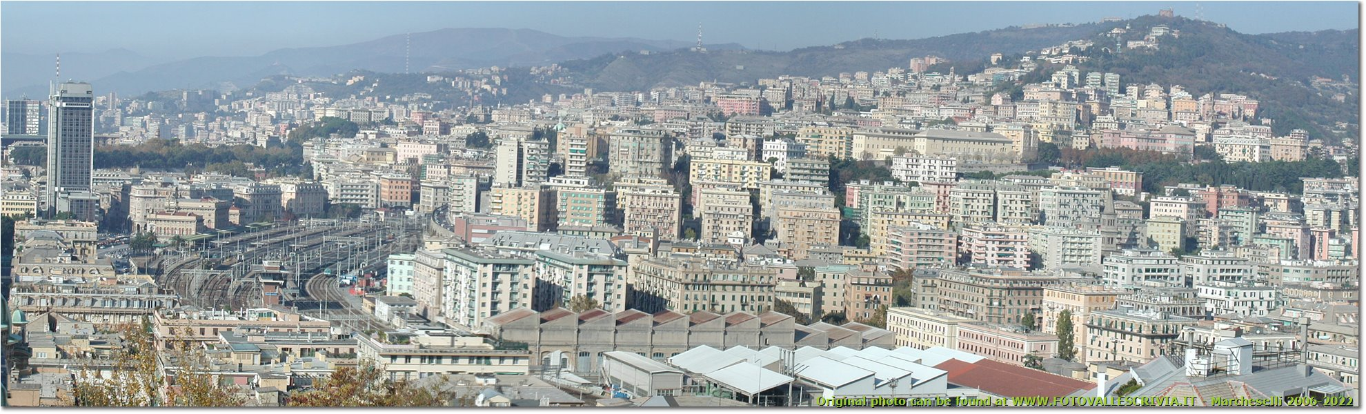 Fotografie Genova - Paesi - Panorama from Engineering University