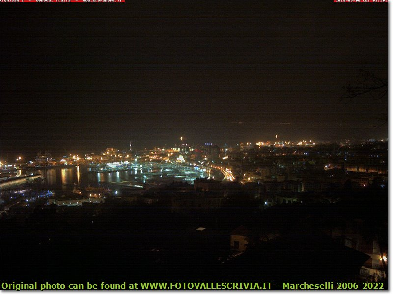 Fotografie Genova - Paesi - Live Webcam from Righi over Genoa Harbor And LightHouse