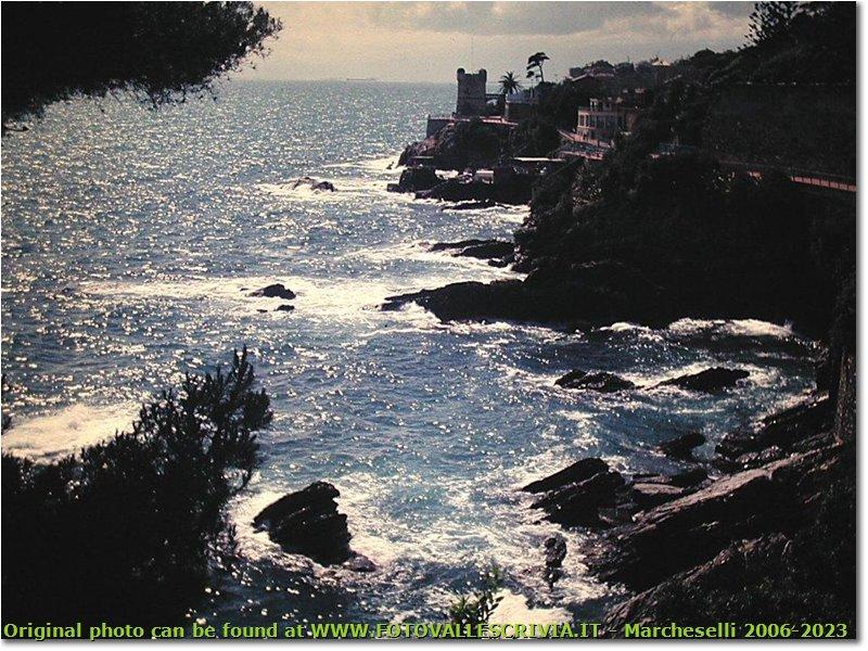 Foto Genova - Panorami - Genova Nervi: la passeggiata