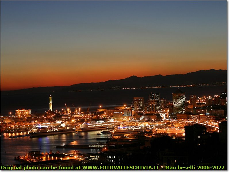 Fotografie Genova - Panorami - Sunset in Genoa Bay