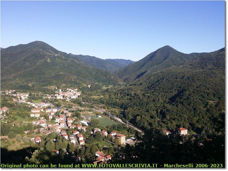 Foto Montoggio - Panorami - Montoggio tra Monte Moro e Monte Acuto