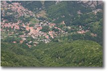Fotografie Savignone - Paesi - Savignone between woods and rocks
