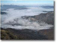 Foto Savignone - Panorami - Lingue di nebbia dalla pianura padana